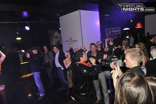 Club in Berlin mit Lounge, 2 Bars - Party